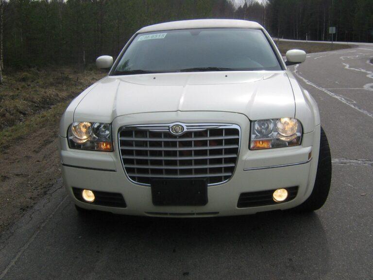Лимузин Chrysler 300C
